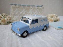 画像1: 【イギリス】Lledo ミニカー ミニバン Something Blue-B